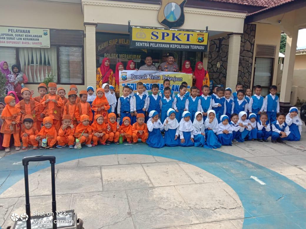 TK dan KB Tunas Harapan Desa Tuwirikulon Belajar di Polsek Merakurak